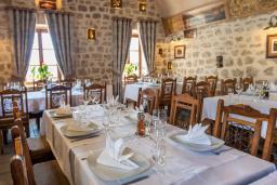 Кафе-ресторан. Conte Hotel & Restaurant 4* в Перасте