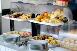 Кафе-ресторан. Oliva 3* в Будве