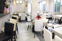 Кафе-ресторан. M-Club 3* в Приеворе