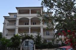 Фасад дома. Vila Maslina 3* в Будве