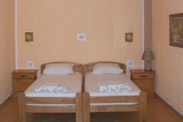 Спальня 2. Черногория, Будва : Четырехместный номер Дуплекс