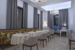 Кафе-ресторан. Москва 4* в Будве
