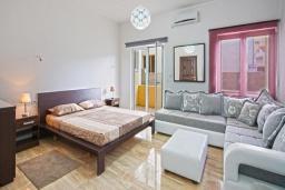 Студия (гостиная+кухня). Черногория, Будва : Апартаменты с 1 спальней и террасой