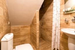 Ванная комната. Черногория, Будва : Апартаменты с 1 спальней и террасой