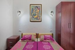 Спальня 2. Черногория, Будва : Апартаменты с 2 спальнями и балконом
