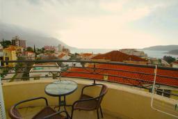 Вид на море. Черногория, Бечичи : Студия с балконом и видом на море