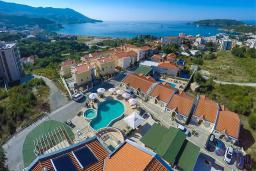 Вид. Spa Resort Becici 4* в Бечичи