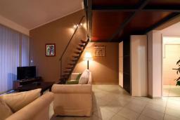 Гостиная. Черногория, Бечичи : Апартаменты с 1 спальней и балконом