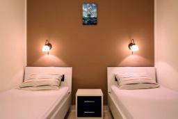 Спальня 2. Черногория, Бечичи : Апартаменты с 2 спальнями и террасой