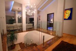 Коридор. Черногория, Бечичи : Пентхаус с 3 спальнями и большим балконом с шикарным видом на море