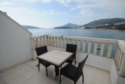 Балкон. Черногория, Рафаиловичи : Студио №12 на мансарде с видом на море