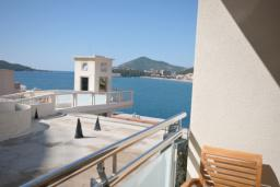 Вид на море. Черногория, Рафаиловичи : Студио №704 с боковым видом на море