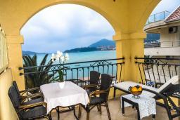 Балкон. Черногория, Рафаиловичи : Апартамент №20 с отдельной спальней и видом на море (APP 02+2 SV)