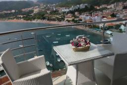 Балкон. Черногория, Рафаиловичи : Стандартный номер с видом на море