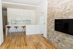 Гостиная. Черногория, Рафаиловичи : Апартамент с тремя спальнями и видом на море (GRANDE APP 08 SV)