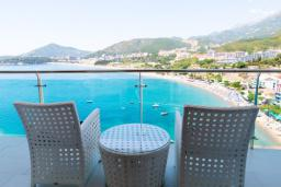 Вид на море. Черногория, Рафаиловичи : Апартамент с тремя спальнями и видом на море (GRANDE APP 08 SV)
