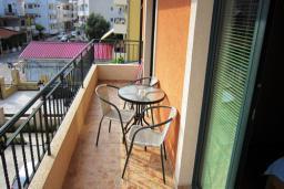 Балкон. Черногория, Будва : Апартамент с отдельной спальней (№7 APP 04)