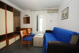 Гостиная. Черногория, Будва : Апартамент с балконом (№205 APP 04)