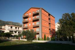 Фасад дома. Elena & Marko 4* в Будве