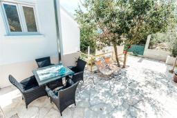 Terrace. Montenegro, Herceg-Novi : Villa with 3 bedrooms in Herceg-Novi for 6 guests