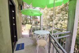 Терраса. Черногория, Будва : Апартамент на первом этаже с двумя спальнями и террасой