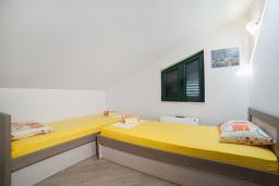 Bed room 2. Montenegro, Igalo : Private sector/accomodation with 2 bedrooms in Igalo