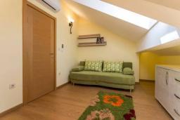 Спальня 3. Черногория, Дженовичи : Шикарный дуплекс апартамент в 100 метрах от пляжа, 2 гостиные, 3 спальни, 2 ванные комнаты, вид на море
