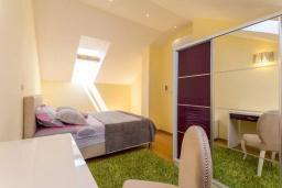 Спальня 2. Черногория, Дженовичи : Шикарный дуплекс апартамент в 100 метрах от пляжа, 2 гостиные, 3 спальни, 2 ванные комнаты, вид на море