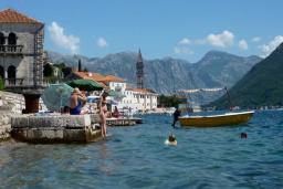 Ближайший пляж. Черногория, Муо : Каменный дом на первой линии с видом на море, 3 спальни, 3 ванные комнаты, Wi-Fi
