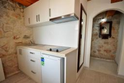 Kitchen. Montenegro, Rijeka Rezevici : Apartment with 1 bedroom in Rijeka Rezevici