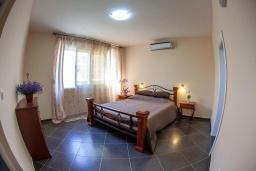Bed room. Montenegro, Rijeka Rezevici : Villa with 4 bedrooms in Rijeka Rezevici for 8 guests