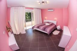 Bed room 3. Montenegro, Rijeka Rezevici : Villa with 4 bedrooms in Rijeka Rezevici for 8 guests