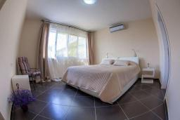 Bed room 4. Montenegro, Rijeka Rezevici : Villa with 4 bedrooms in Rijeka Rezevici for 8 guests