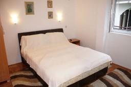 Студия (гостиная+кухня). Черногория, Игало : Уютная студия с кухней в 20 метрах от моря