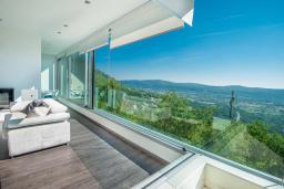 Гостиная. Черногория, Кавач : Роскошная вилла с бассейном, панорамным видом на море и окрестности, 3 спальни, сауна, барбекю, гараж, Wi-Fi