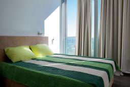 Спальня 2. Черногория, Кавач : Роскошная вилла с бассейном, панорамным видом на море и окрестности, 3 спальни, сауна, барбекю, гараж, Wi-Fi
