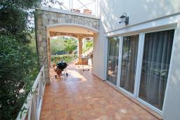 Terrace. Montenegro, Bigova : Villa with 3 bedrooms in Bigova for 9 guests
