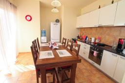Kitchen. Montenegro, Bigova : Villa with 3 bedrooms in Bigova for 9 guests