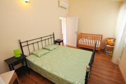 Bed room. Montenegro, Bigova : Villa with 3 bedrooms in Bigova for 9 guests
