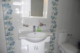 Bath room. Montenegro, Susanj : Villa with 3 bedrooms in Susanj for 6 guests