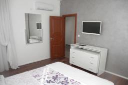 Bed room. Montenegro, Susanj : Villa with 3 bedrooms in Susanj for 6 guests