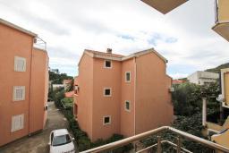 Балкон. Черногория, Петровац : Апартамент с отдельной спальней, с террасой
