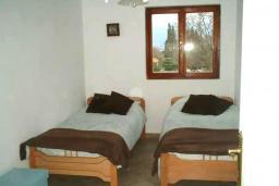 Спальня. Черногория, Радовичи : Прекрасный дом с бассейном и зеленым двориком с барбекю, 4 спальни, 2 ванные комнаты, парковка