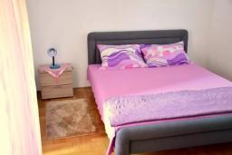 Спальня 2. Черногория, Братешичи : Уютный дом с гостиной, двумя спальнями, парковкой и Wi-Fi