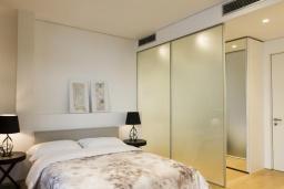 Спальня 3. Черногория, Будва : Роскошный пентхаус с просторной гостиной, тремя спальнями, двумя ванными комнатами и большой террасой с шикарным видом нам море