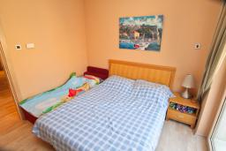 Bed room. Montenegro, Igalo : Apartment with 2 bedrooms in Igalo