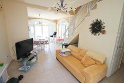 Living room. Montenegro, Bigova : Villa with 3 bedrooms in Bigova for 6 guests