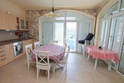 Kitchen. Montenegro, Bigova : Villa with 3 bedrooms in Bigova for 6 guests
