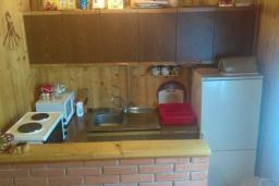 Kitchen. Montenegro, Zabljak : House with 3 bedrooms in Zabljak for 8 guests