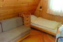 Bed room. Montenegro, Zabljak : House with 3 bedrooms in Zabljak for 8 guests